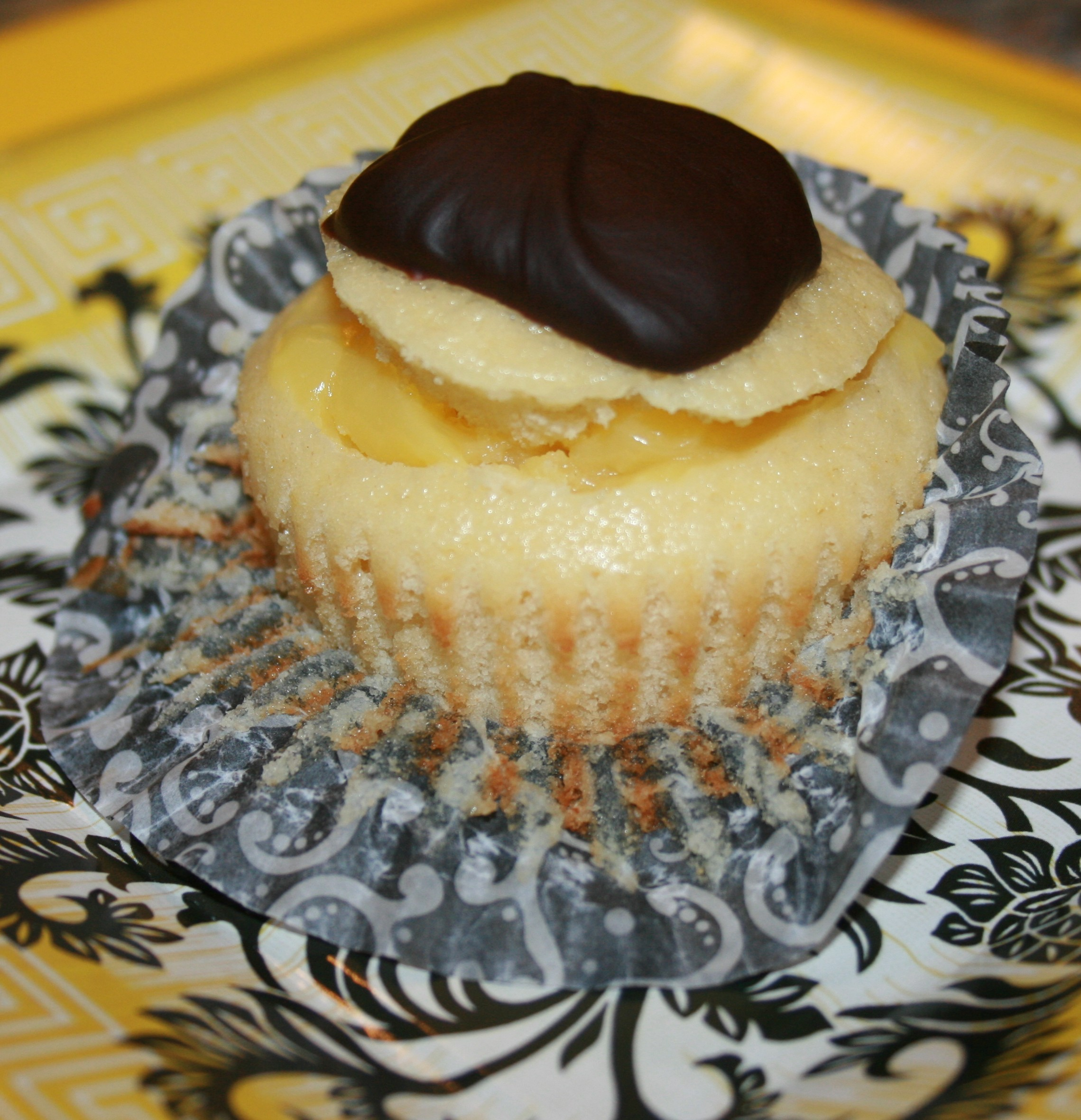 Boston cream cupcake for Still Alice